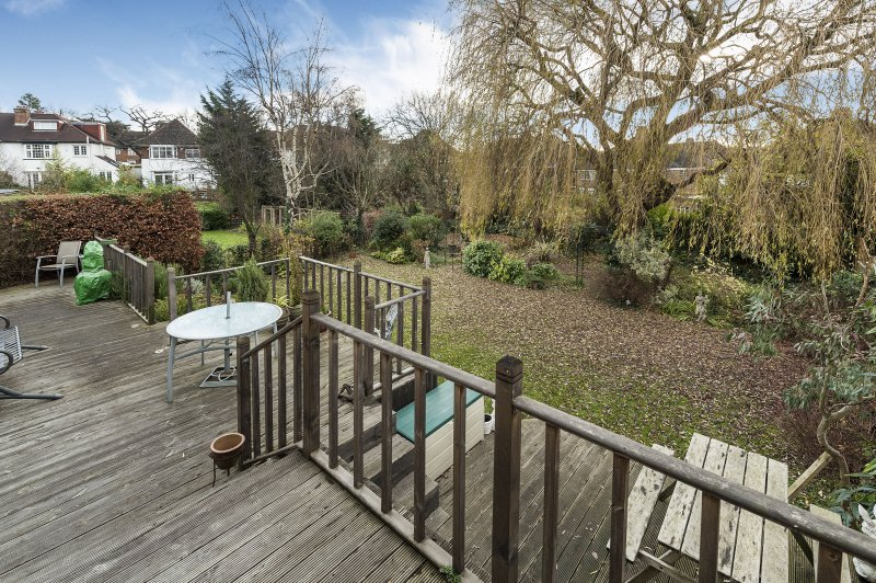 Abbots Gardens East Finchley N2 Homes For Sale